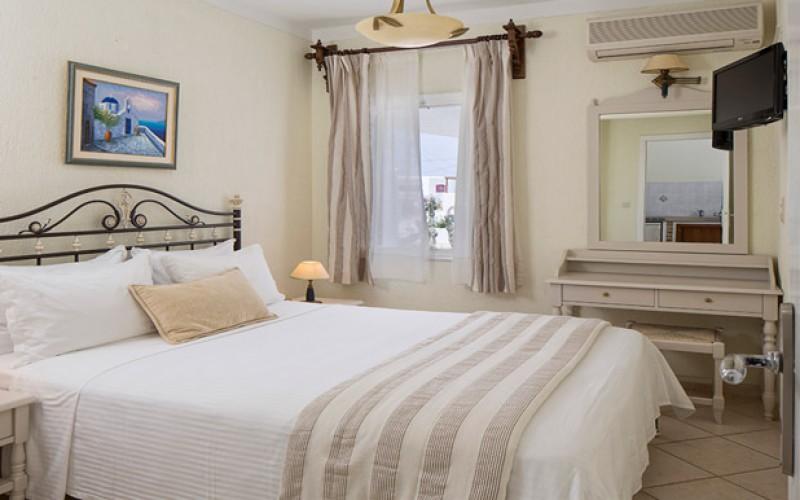 Værelse Hotel Contaratos på Paros