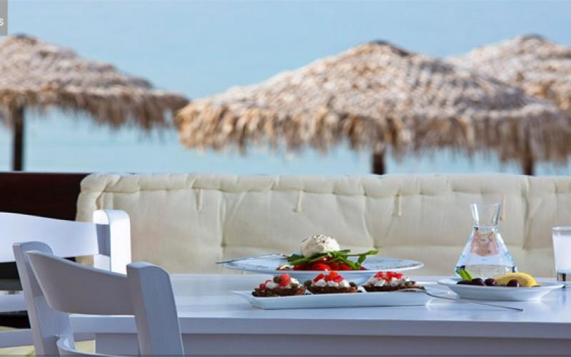 Spis godt på Hotel Contaratos på Paros