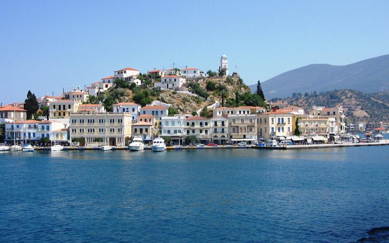 Sejl til Poros i de Saroniske Øer med Hellas Holidays