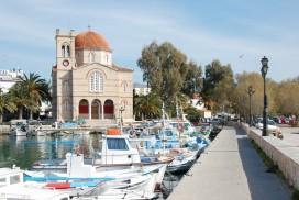 Tag en tur på havnen på Aegina